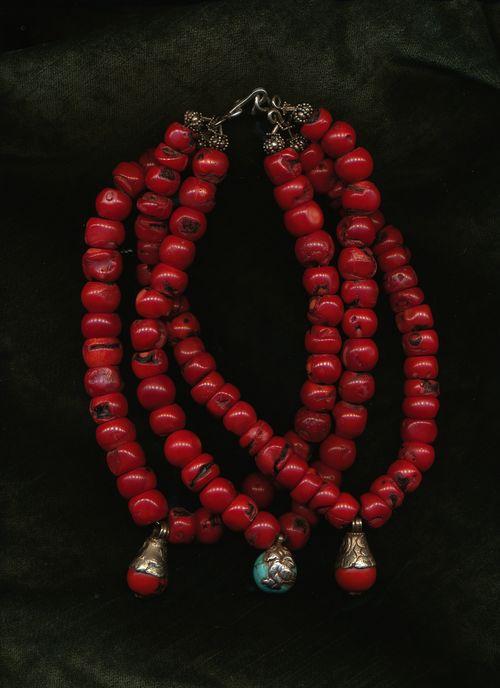 3 str coral tibet pend